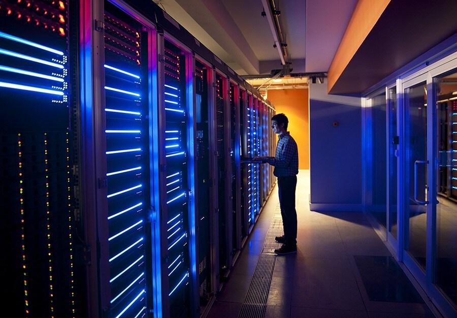 IT Engineer in Action Configuring Servers