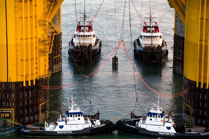 Towing offshore platform