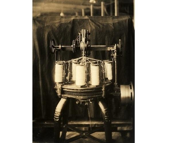 Small braider c.1900