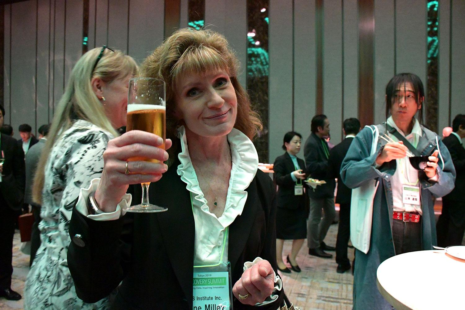 Anne Milley with Beer - Tokyo DS 2019