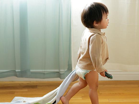 Bébé en train de marcher